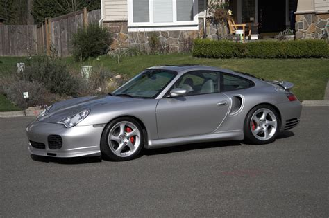 Porsche 911 Turbo 996 by Porsche 996 Turbo Vs 997 Turbo Exotic Car List