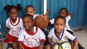 Mba In Jamaica by Notre Dame Mba Students To Help Build Home For Children In