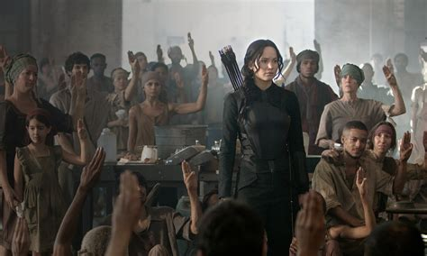 the hunger games mockingjay part 1 feels belabored and underwhelming cinemastance dot com