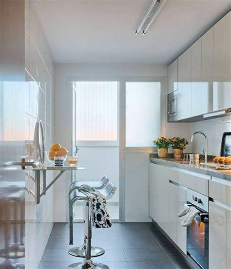 cucine lucide oltre 25 fantastiche idee su cucine bianche moderne su