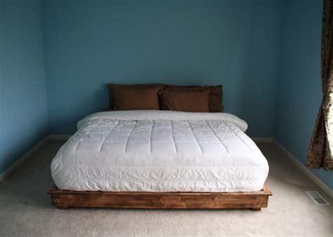 build  king size bed frame   pallets