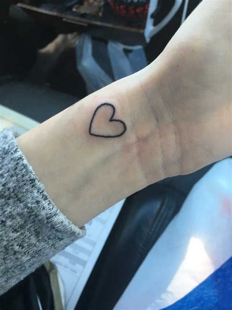 small heart outline tattoo best 25 outline ideas on