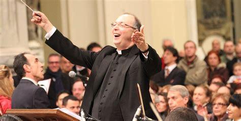 canti liturgici ingresso don marco frisina a san severo autore di numerosi canti