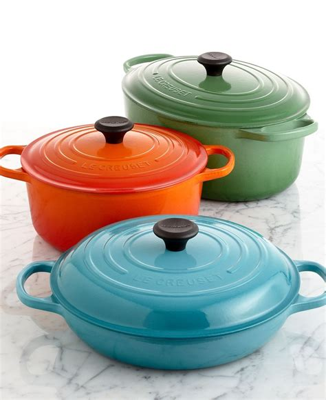 le creuset pot le creuset signature cast iron cookware