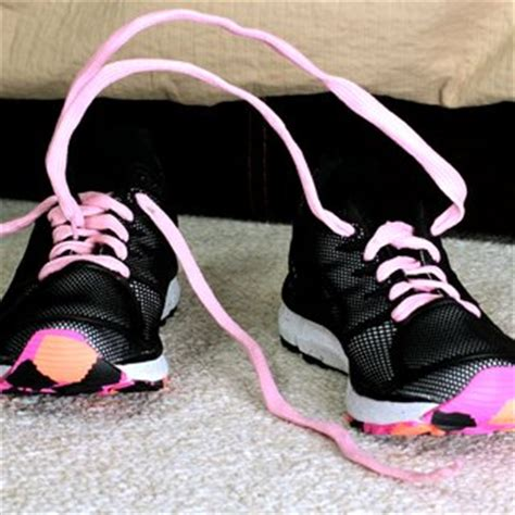 how to tie your shoes for running best way to tie running shoes popsugar fitness
