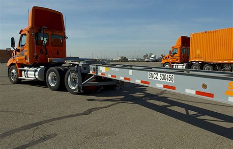 schneider sees benefits  owning  container chassis truck news