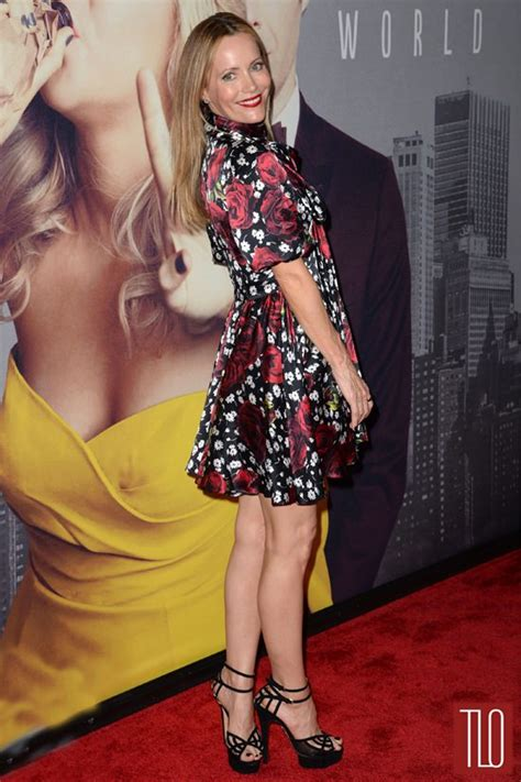 leslie mann red carpet leslie mann in dolce gabbana at the quot trainwreck quot new york