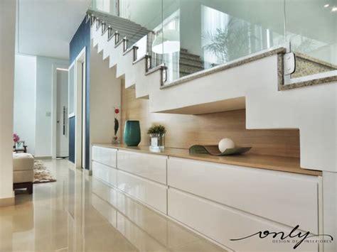 decoração de hall de entrada grande escadas internas descubra a ideal para a sua casa