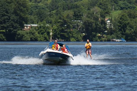 boat driving water skiing hodge podge lodge waterskiing
