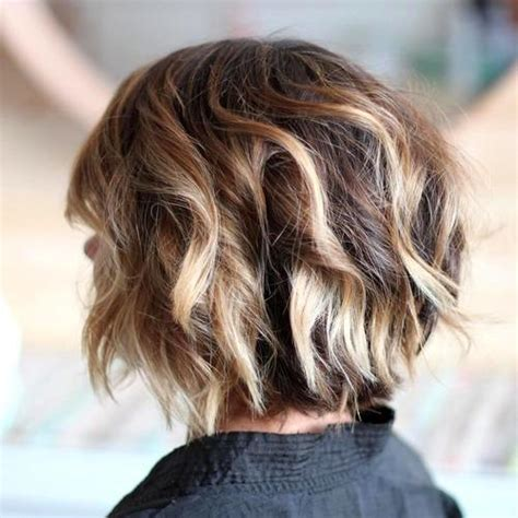 highlights with blonde and dark on chin length hair 40 fabulous choppy bob hairstyles