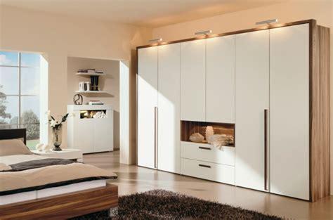 schlafzimmerschrank holz schlafzimmerschrank design f 252 r ihre moderne inneneinrichtung