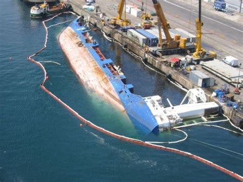 ship accident cargo ship accidents 24 pics