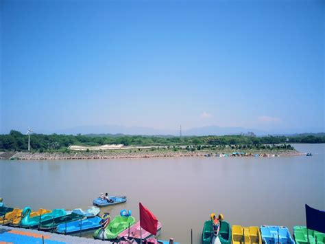 image of sukhna lake in chandigarh my india