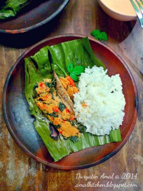 Nasi Kukus Teriikan Peda Atau Ayam amal s kitchen simple easy recipes pepes ikan pindang