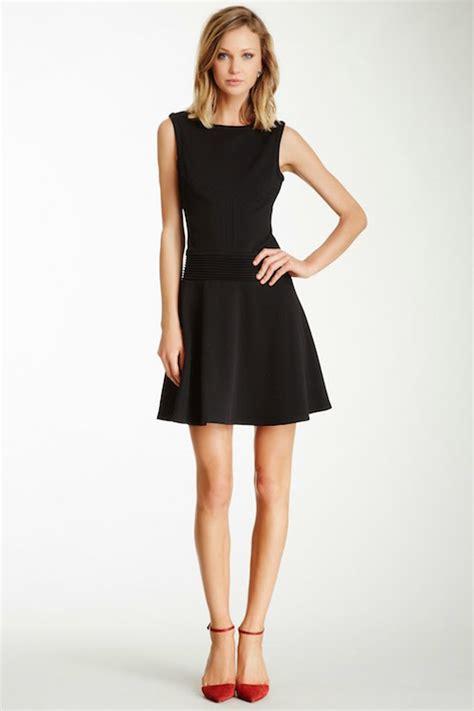 F2 Dress Mutiara Hitam 5 jenis baju yang wajib dimiliki setiap perempuan facetofeet