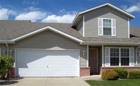 three bedroom townhomes jb rentals three bedroom townhome freeland mi