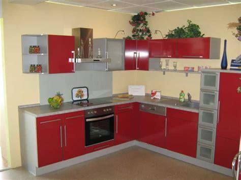 Küchen Farbe Mit Eichen Schränken by Rot Farbe K 252 Che