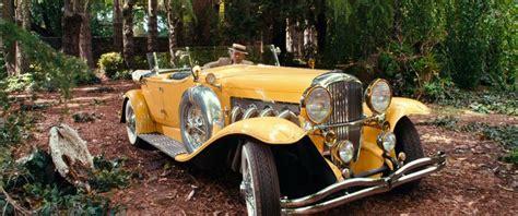 yellow rolls royce great gatsby gatsby s caramel suit and yellow duesenberg 2013 version