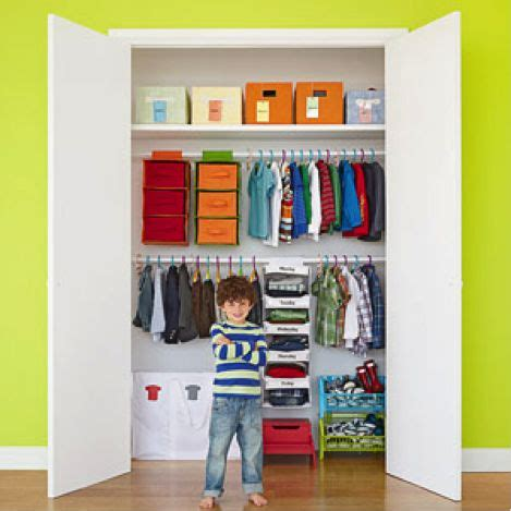 kid friendly closet organization kid size closet habitaci 243 n peques pinterest ni 241 os