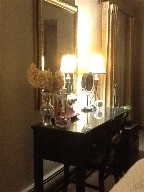 wall lamps  vanity table
