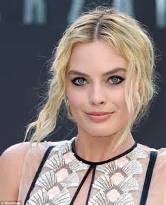 margo on new hair femail look at how like margot robbie turn