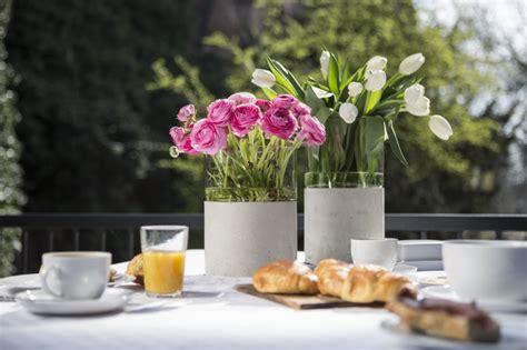 etagere dekorieren frühling fr 252 hlingsdeko aussen execid