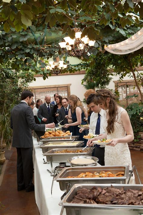 Catering Weeding Service top 5 reasons why you should book a caterer instead of