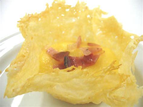 come cucinare il frico ricetta cestini di frico croccante con polentina morbida e