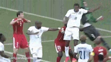 bultos de futbolistas agarrones bultos de futbolistas agarrones 180 youtube