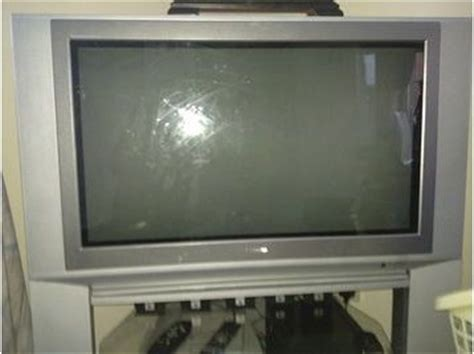 Tv Crt Toshiba 29 Inch 32 inch toshiba crt tv with stand reading uk free classifieds muamat