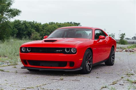 2015 dodge challenger hellcat makes 707 hp 650 lb ft