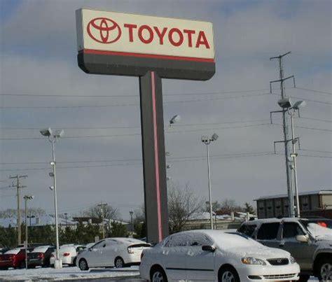 Toyota Dealer Bloomington Il Toyota
