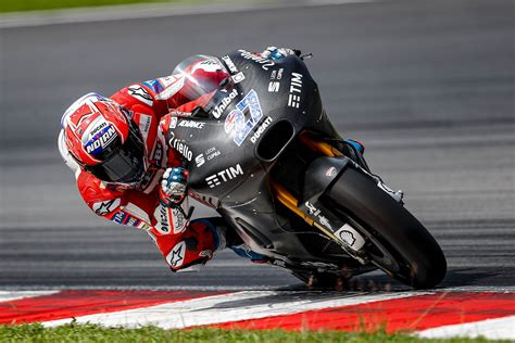 ducati test rider stoner tops st official  motogp