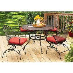 Homes and gardens clayton court 5 piece patio dining set red seats 4