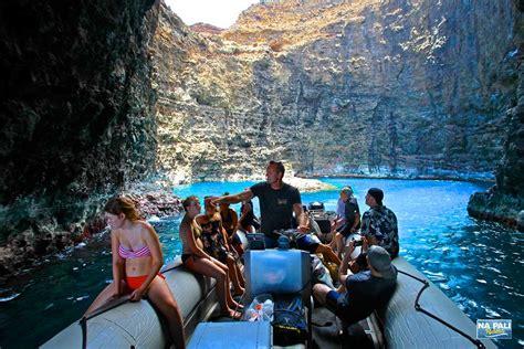 kauai small boat tours touring the sea caves of na pali coast na pali riders