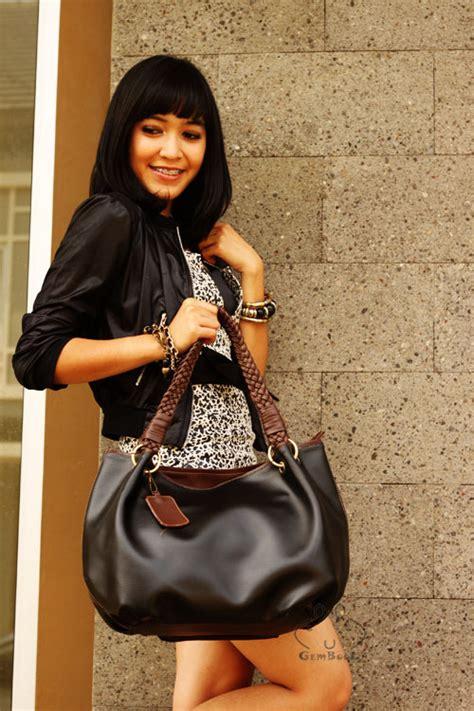 Dompet Wanita Kulit Korean Soft Hitam Promo Grosir Supplier Tas Lokal Wanita Model Cangklong Tali Kepang