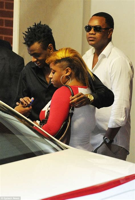 Bobby Brown Pays Up by Heartwrenching Family Pays Last Respects To