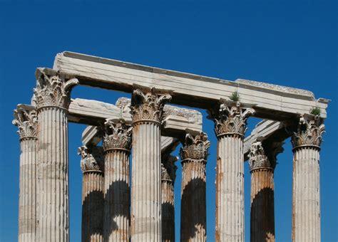 the great historical architecture corinthian columns