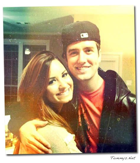Alvin Chipmunks Collection 19 Tx yesterday demi lovato met up with fellow texan logan
