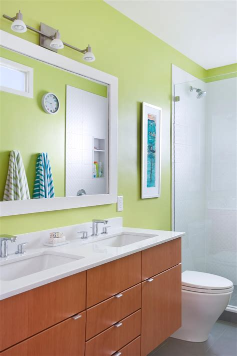 Bold Bathroom Color Ideas by Bold Bathroom Colors That Make A Statement Hgtv S