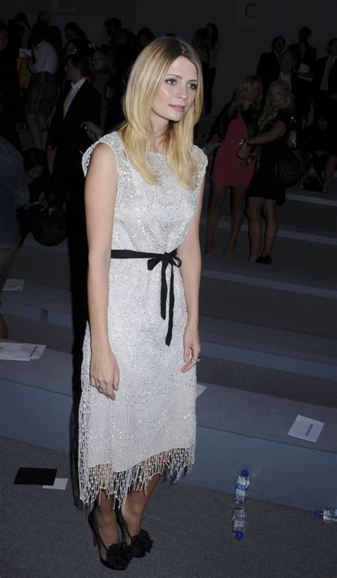 Style Mischa Barton Fabsugar Want Need 4 by Mischa Barton In Mischa Barton At The Naeem Khan Fashion