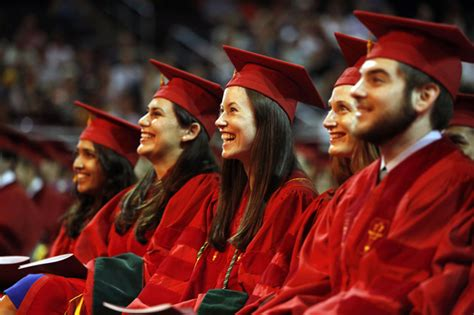 Usc Mba Graduation by Graduates Advised To Hold On To Their And Altruism