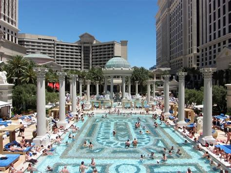 Garden Of The Gods Vegas The Garden Of The Gods Pool Complex At Caesars Palace Has