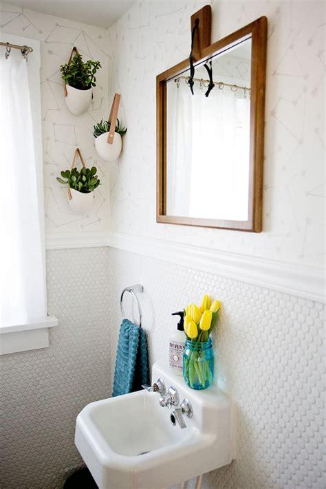 flores para decorar o banheiro ideias de decora 231 227 o para o banheiro amarelo e muitas