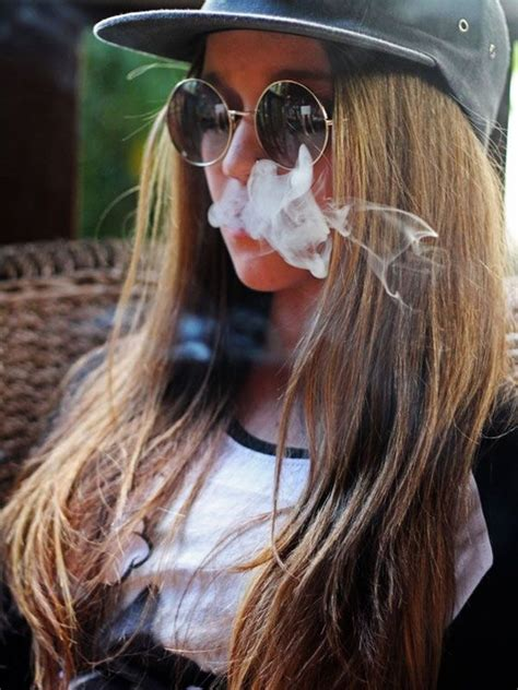 weed hairstyles 17 best images about attractive girls smoking weed