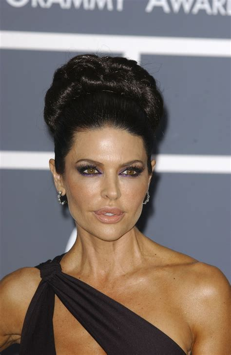 wild and glamorous hairstyles inspired by lisa rinna wild and glamorous hairstyles inspired by lisa rinna