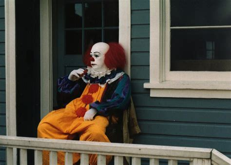 film it the clown stephen king s it images stephen king s it hd wallpaper