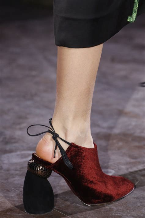 dries noten fall 2016 ready to wear fashion show details fall 2016 vans and fashion