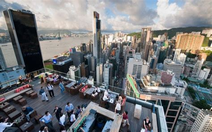roof top bar hong kong best rooftop skybars i migliori bars e ristoranti panoramici di hong kong island