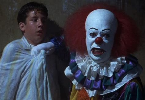 film it stephen king it remake recasts new pennywise with hemlock grove star